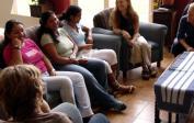 Lenka mit drei Besuchern unserer Bibelstudie bei uns zu Hause.