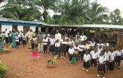 Schüler unserer Tshikapa Schule in gemieteten Räumlichkeiten