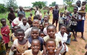 Kinder von Mushapo